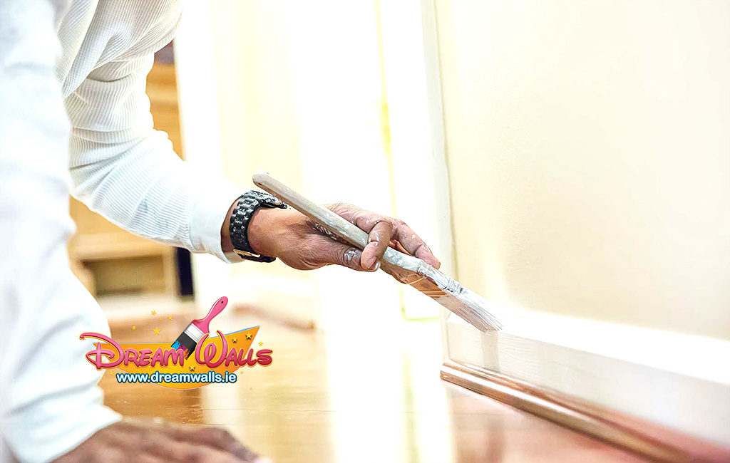 Need to freshen up your rental property? Leave your painting and decorating to the professionals.